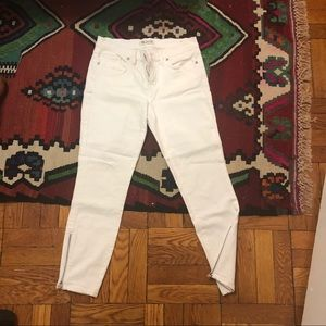 Madewell white skinny jeans with ankle zipper